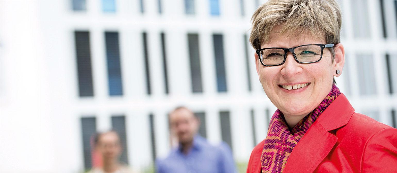 Prof. Dr. Simone Rappel München: Theologin, Religionswissenschaftlerin, Professorin für Ethik